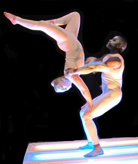 Acrobatic Statues